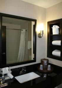 Queen Room with Two Queen Beds - Disability Access with Roll In Shower