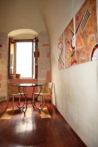 B&B Gildo Trani, Bed and Breakfasts  Trani - big - 57