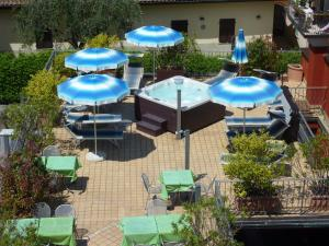 Hotel Benaco, Szállodák  Nago-Torbole - big - 67