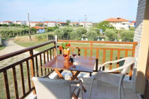 Rodon Garden, Apartments  Sarti - big - 3