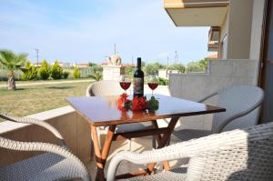 Rodon Garden, Apartments  Sarti - big - 4