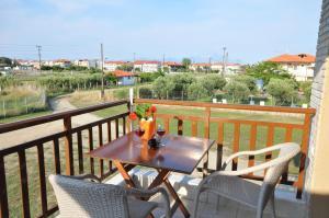 Rodon Garden, Apartments  Sarti - big - 2