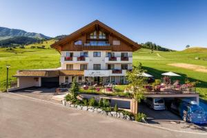 Alpin Apart Bacher - Apartment - Serfaus