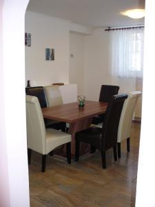 Apartman Nadezda, Apartmány  Karlove Vary - big - 11