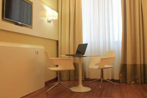 Best Western Mirage Hotel Fiera, Szállodák  Paderno Dugnano - big - 3