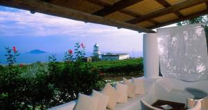 Capofaro Locanda & Malvasia, Hotels  Malfa - big - 6