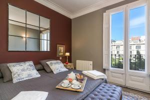 Two-Bedroom Apartment with Balcony - Passeig de Gracia, 51