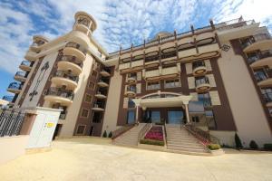 Menada Apartments in Golden Rainbow, Apartmány  Slnečné pobrežie - big - 37