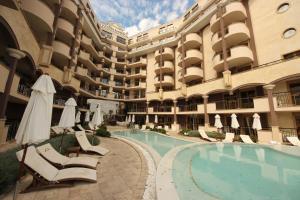 Menada Apartments in Golden Rainbow, Apartmány  Slnečné pobrežie - big - 41