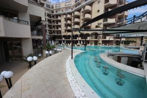 Menada Apartments in Golden Rainbow, Apartmány  Slnečné pobrežie - big - 30