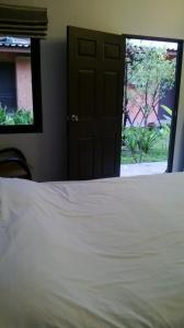 2 Home, Hotels  Chalong  - big - 8