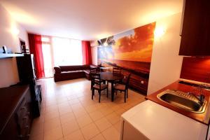 Menada Esperanto Apartments, Apartmány  Slunečné pobřeží - big - 34