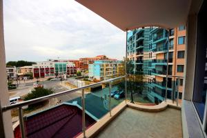 Menada Esperanto Apartments, Apartmány  Slunečné pobřeží - big - 17