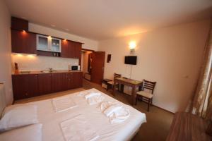Menada Esperanto Apartments, Apartmány  Slunečné pobřeží - big - 5