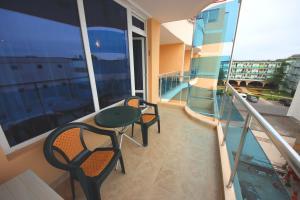 Menada Esperanto Apartments, Apartmány  Slunečné pobřeží - big - 4