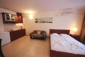 Menada Esperanto Apartments, Apartmány  Slunečné pobřeží - big - 86