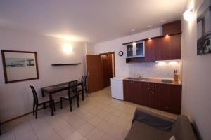 Menada Esperanto Apartments, Apartmány  Slunečné pobřeží - big - 80