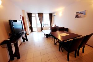 Menada Esperanto Apartments, Apartmány  Slunečné pobřeží - big - 92