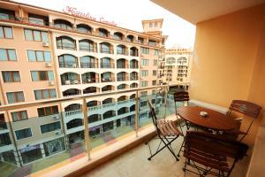 Menada Esperanto Apartments, Apartmány  Slunečné pobřeží - big - 89