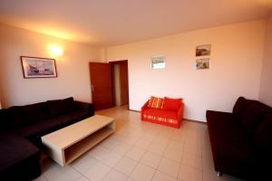 Menada Esperanto Apartments, Apartmány  Slunečné pobřeží - big - 11
