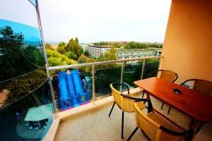 Menada Esperanto Apartments, Apartmány  Slunečné pobřeží - big - 26