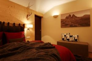 Crioli Dolomiti Lodge, Apartments  Villabassa - big - 2