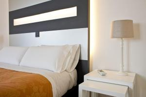 Foster Estudios Plaza España, Apartments  Madrid - big - 13