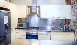 Two-Bedroom Apartment - L'Aurora 11 bis