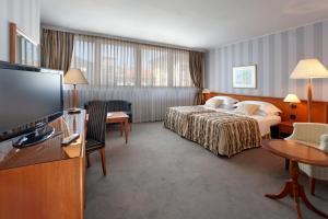 Grand Hotel Bonavia (1 of 57)