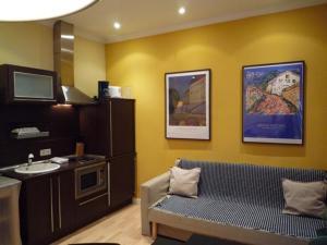Foster Apartamentos Sol, Apartmanok  Madrid - big - 2