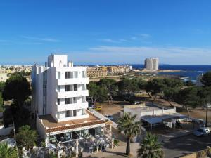 Apartaments Andreas, Apartments  Colonia Sant Jordi - big - 25