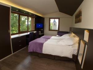 Hotel Mirador, Hotely  Lles - big - 8