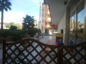 Apartamentos Ocaña, Apartments  Cala de Finestrat - big - 49