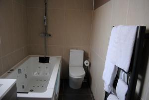 Appart'hôtel Le Dauphin, Apartmánové hotely  Six-Fours-les-Plages - big - 9