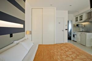 Foster Estudios Plaza España, Apartments  Madrid - big - 5