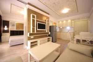 Menada Apartments in Golden Rainbow, Apartmány  Slnečné pobrežie - big - 14