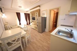 Menada Apartments in Golden Rainbow, Apartmány  Slnečné pobrežie - big - 13