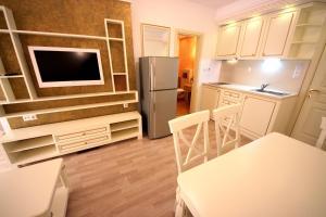 Menada Apartments in Golden Rainbow, Apartmány  Slnečné pobrežie - big - 12