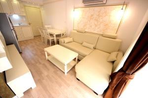 Menada Apartments in Golden Rainbow, Apartmány  Slnečné pobrežie - big - 11