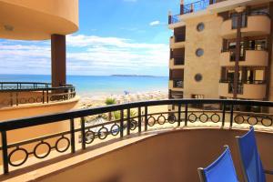 Menada Apartments in Golden Rainbow, Apartmány  Slnečné pobrežie - big - 3