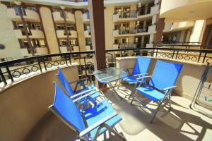 Menada Apartments in Golden Rainbow, Apartmány  Slnečné pobrežie - big - 2