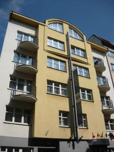 Hotel Inos, Отели  Прага - big - 28