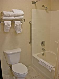 Executive Queen Suite with Two Queen Beds - Non-Smoking