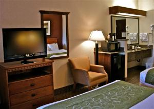 Standard Queen Suite with Two Queen Beds - Non-Smoking