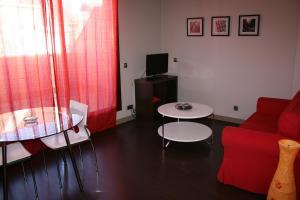 Apartamentos Calle José, Appartamenti  Madrid - big - 27