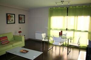 Apartamentos Calle José, Апартаменты  Мадрид - big - 25