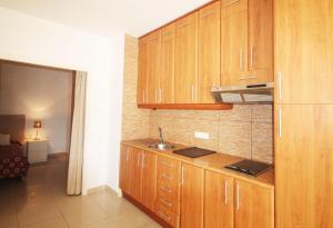 One-Bedroom Apartment with Balcony - Passeig Montjuïc, 32-34