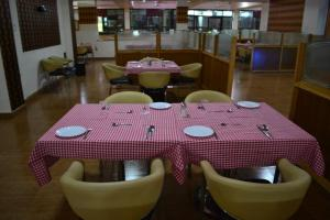 Hotel Singh Axis, Bed and Breakfasts  Udhampur - big - 15