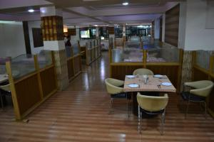 Hotel Singh Axis, Bed and Breakfasts  Udhampur - big - 20