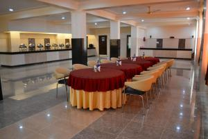 Hotel Singh Axis, Bed and Breakfasts  Udhampur - big - 22